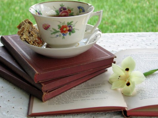 Tea-cup-and-books
